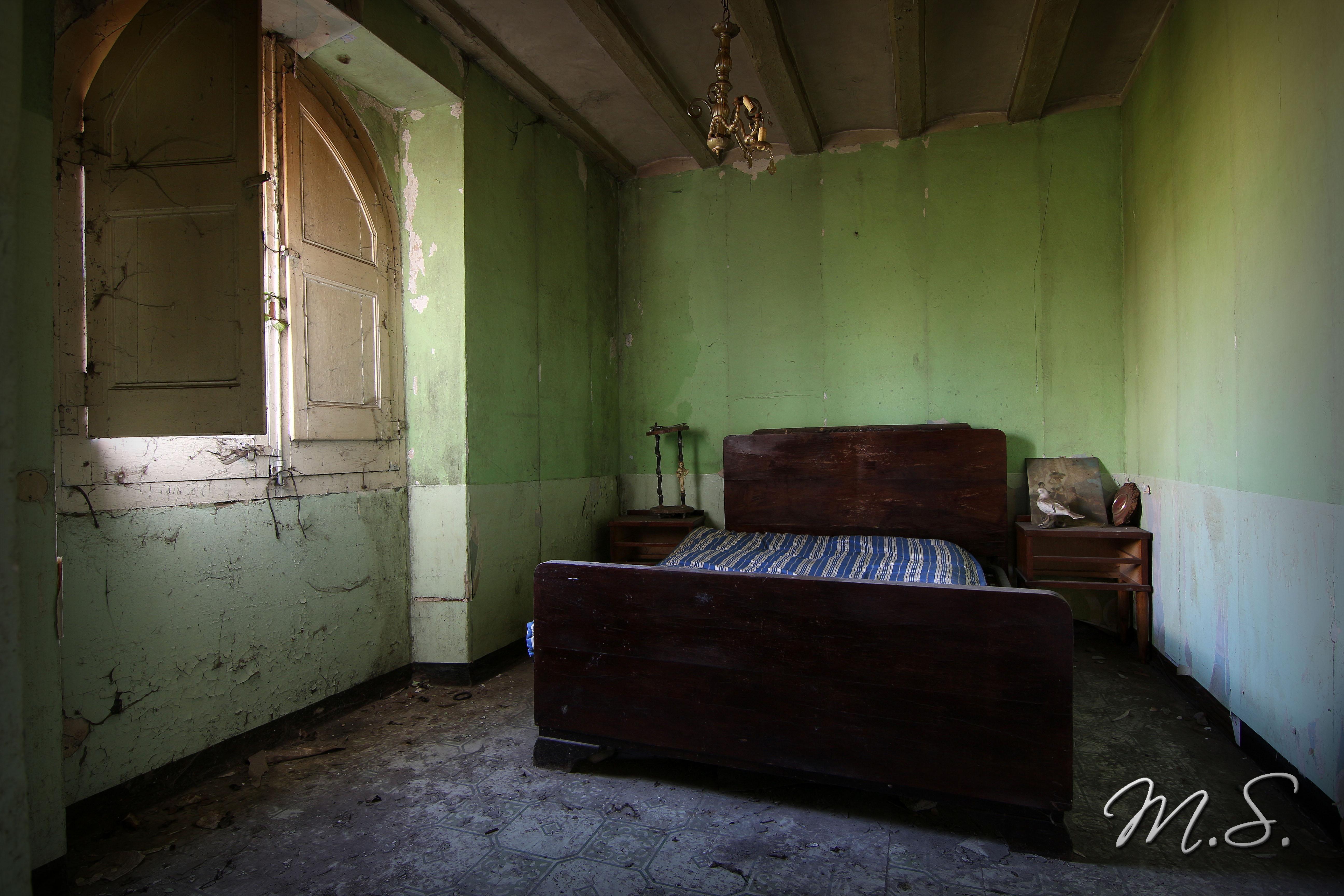 cama vieja masia